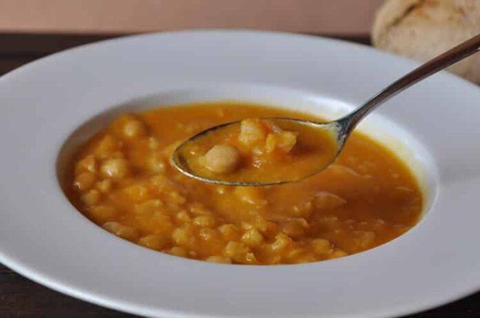 Soupe de pois chiches aux crevettes