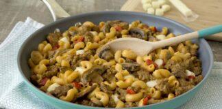 Macaronis à la viande hachée et champignons