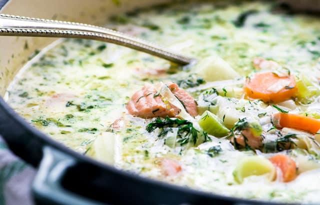soupe de saumon à l'aneth légère