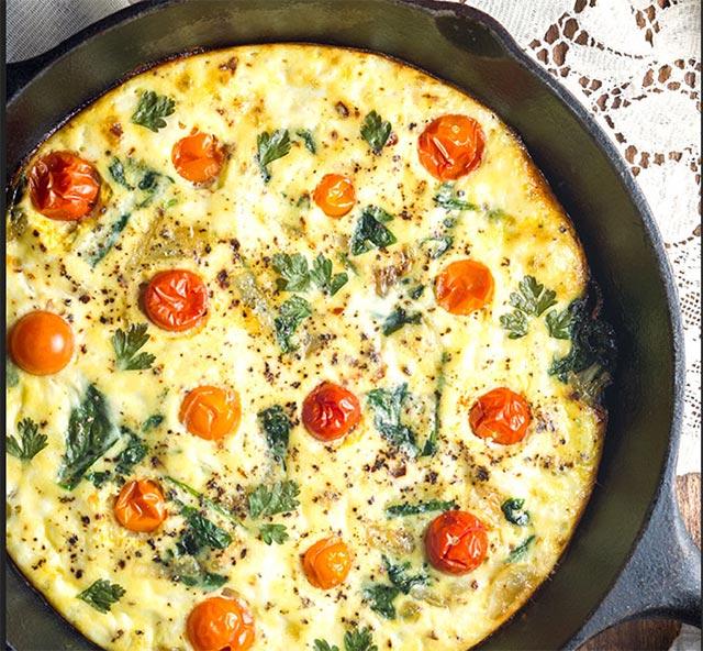 Frittata aux tomates cerise et à la mozzarella