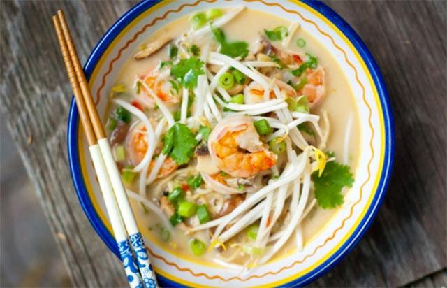 Soupe de nouilles et crevettes