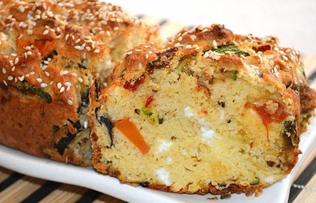 Cake léger aux légumes et à la feta WW