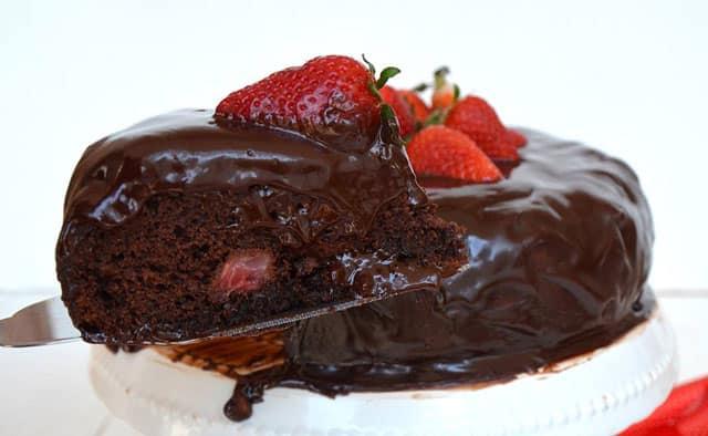 Gâteau au chocolat et fraises avec ganache au Thermomix