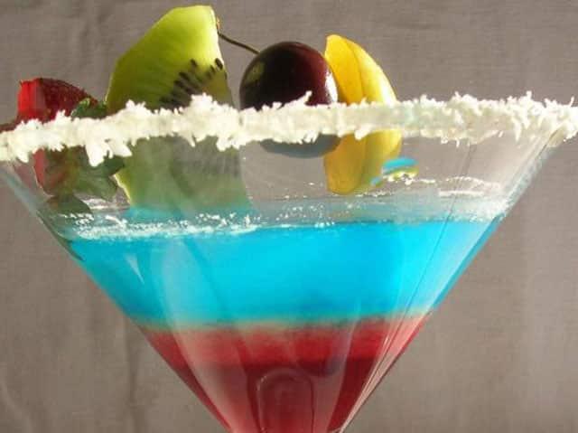 Cocktail aux fraises et au Curaçao bleu au Thermomix