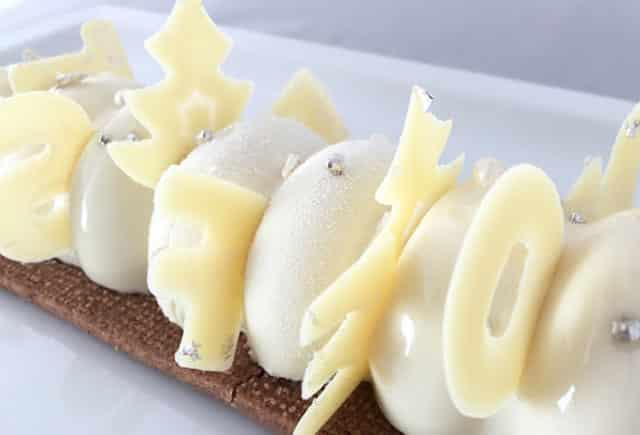 Bûche Mousse Chocolat Blanc et Insert Framboise au Thermomix