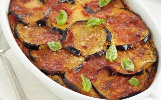 gratin d'aubergines à la sauce tomate