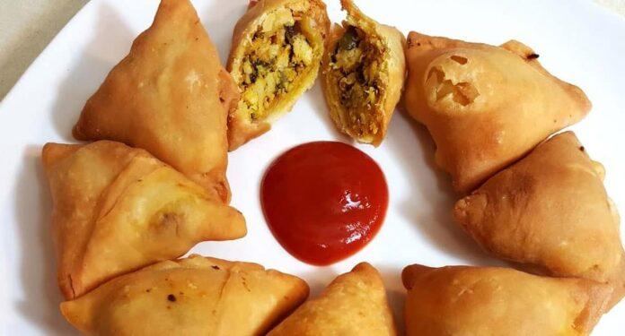 Samoussas de poulet et curry