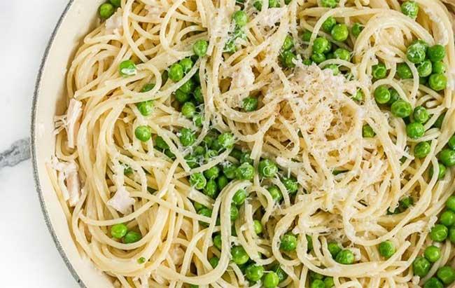 Spaghettis au mascarpone et petits pois