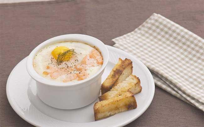 œufs cocotte au saumon et fromage frais