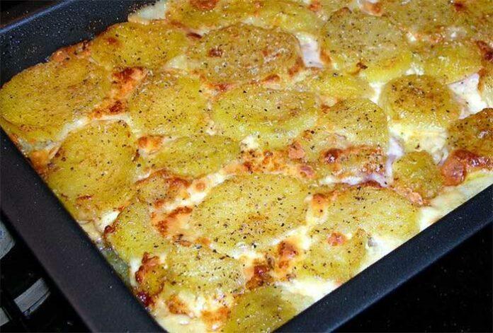 Tarte aux pommes de terre au jambon et ricotta