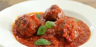 Boulettes de viande hachée à la sauce tomate