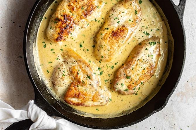 Blancs de poulet à la crème de moutarde