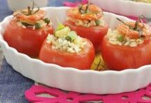 Tomates farcies aux petits pois courgettes et riz