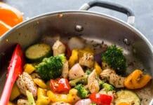 Poêlé de légumes au blanc de poulet