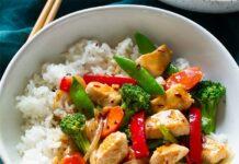 Wok de blanc de poulet aux légumes