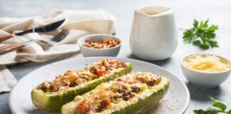 Courgettes farcies à la viande hachée et légumes