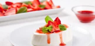 Panna cotta au coulis de fraise