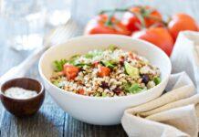 Salade de quinoa et légumes frais