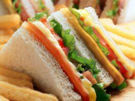 Club sandwich au poulet et fromage
