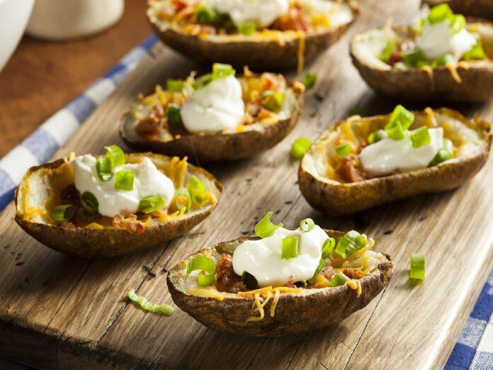 Pommes de terre farcies aux lardons et aux légumes