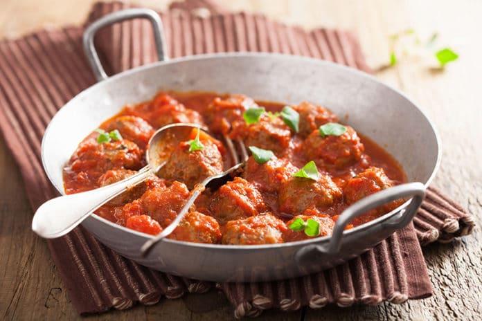 Boulettes de boeuf à la sauce épicée