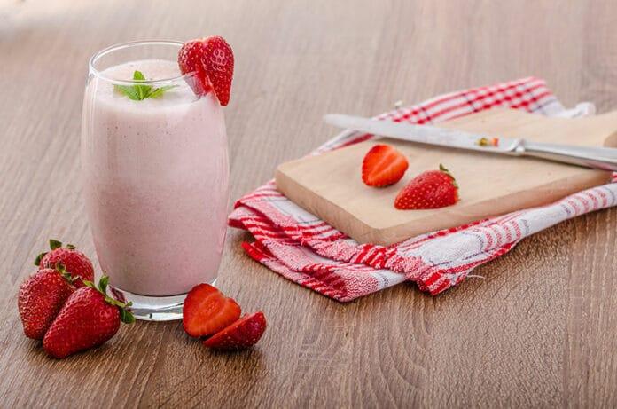 Crème et liqueur de fraise au Thermomix