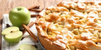 Délicieux gâteaux aux pommes et yaourt grec
