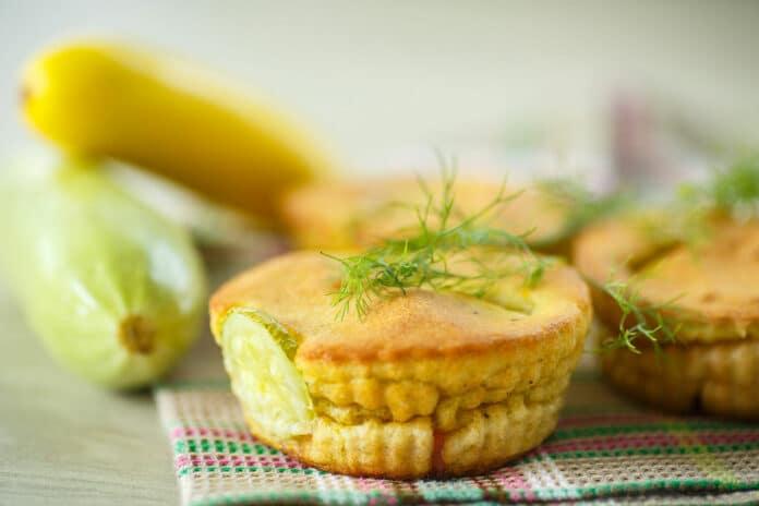 Gâteaux aux courgettes et au jambon