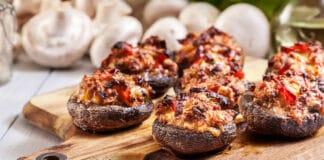 Champignons farcis à la viande hachée au four